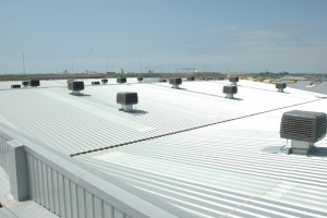 Metal roof with static fans